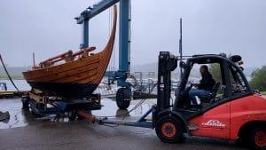 Vikingschip overwintert in de stadshaven